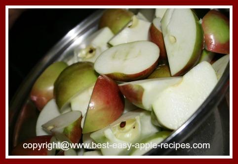 Qaurtered Apples