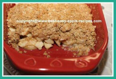Apple Crumble with Oatmeal Topping