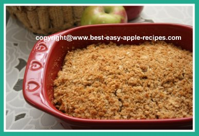 Homemade Apple Crumble with Oats