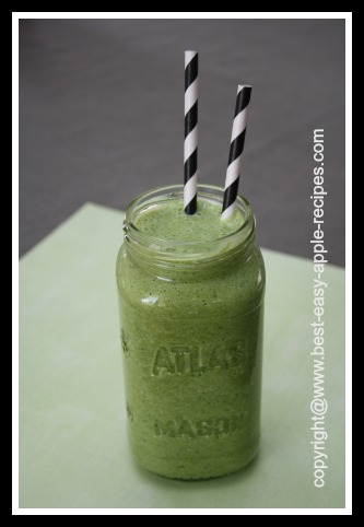 Spinach Smoothie with Apple Fruit