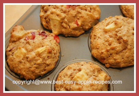 Healthy Breakfast Muffins with Apples and Cranberries Recipe
