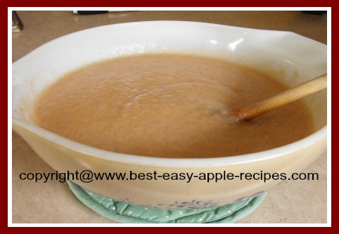 How to Make Applesauce Using an Applesauce Maker