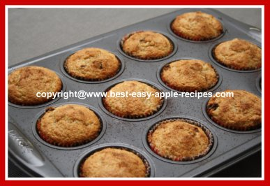 Recipe for Muffins with Applesauce