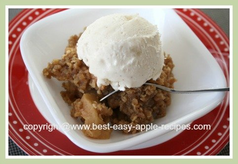 Crockpot Apple Crumble