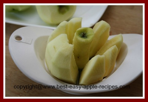 Sliced Cored Apples for Freezing