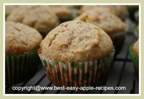Whole Wheat Muffins with Apples and Honey